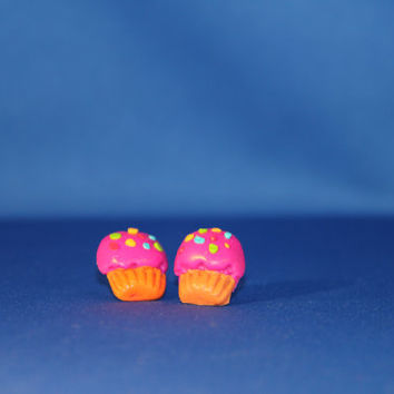 Handmade Polymer Clay Cupcakes Stud Earrings,  kawaii cookie jewelry, miniature dessert jewelry, realistic food jewelry
