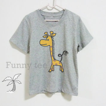 Giraffe shirt kids toddlers boys girls clothing **grey top **short sleeve shirt **crewneck **youth t shirts