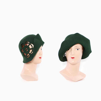 Vintage CLOCHE HAT / 60s does 1920s Forest Green Felt Cut-Out 20s Style Hat