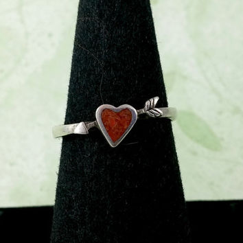 Vintage Red Coral Heart Sterling Silver Band Ring Coral Chip Inlay in Heart Shape with Arrow Through the Heart Cute Cute Ring Size 6.25