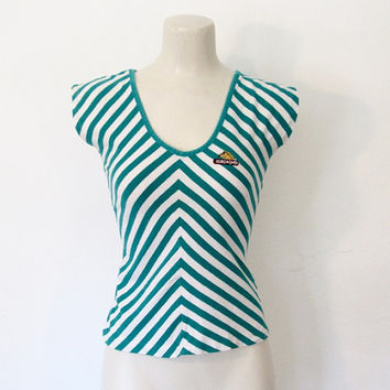 Vintage 1980s Rocker / New Wave Jordache Top / Green & White Chevron Striped / Scoop Neck Shirt / Slim Fit