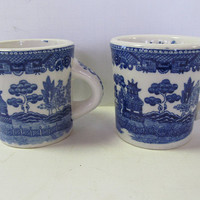 Set of 2 Blue Willow Mugs Blue and White China Willow ware England Blue Willow Decor  Blue Willow Cups Blue and White mugs Blue willow Japan