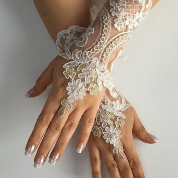 FREE SHIP Ivory gold  Wedding gloves  bridal glove, lace wedding glove, fingerless lace, bridesmaid gift, prom, party, anniversary, costume