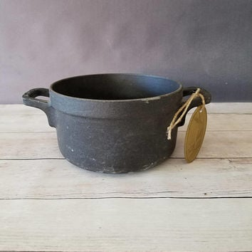 Matte Black Staub Cast Iron Pot/ Staub Cast Iron Stew Pot/ Round Stew Pan/ Staub Cookware/ Cast Iron Pan/ Cast Iron Pot/ Dutch Oven/ Cocotte