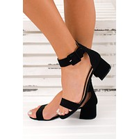 A Lady With Class Simple Heels (Black)
