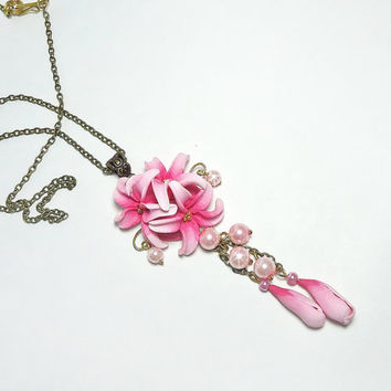 Lily necklace, Pink flower pendant, Lily pendant, Polymer clay Jewelry, flower necklace, Wedding Jewelry, handmade jewelry