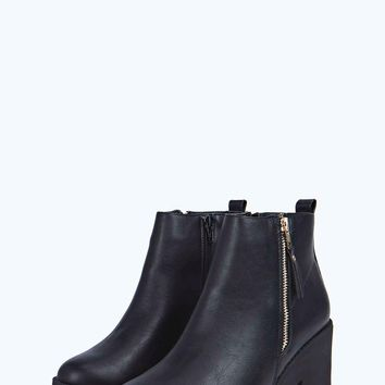 Lola Chunky Cleated Chelsea Boot