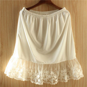 2017 New White Slip Women Lace Patchwork Solid Half Slips Hollow Out High Waist Underskirt Plus Size Elastic One Size #P84