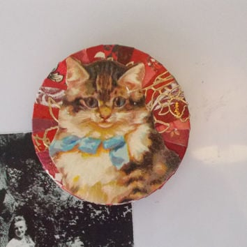 Adorable Handmade Red Fridge Magnet for Cat Lovers