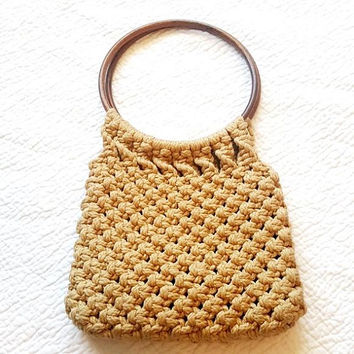 Vintage Macrame Shoulder Bag - Wood Ring Handle - Boho Hippie Style - Tan Brown - Festival Fashion - Crochet Bag - 1970s 70s