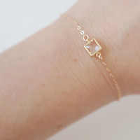 Delicate gold bracelet with clear glass – 14k Gold filled glass pendant bracelet, Dainty gold bracelet, Clear glass charm