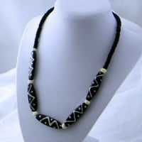African Style Black-White Synthetic and Stone Bead Necklace-Bracelet