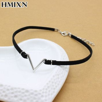 Simple vintage V Letter shape Choker Necklace Korean Style Hollow Black rope Velvet Collar leather collier femme chocker jewelry
