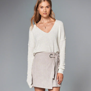Womens Shaker Ribbed V-Neck Sweater | Womens Tops | Abercrombie.com