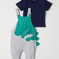 Bib Overalls and T-shirt - Light gray/crocodile - Kids | H&M US