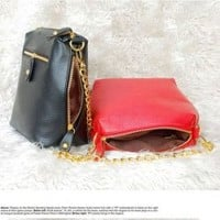 Cheap Stylish Side Zipper Design PU Small Bag | Everbuying.com