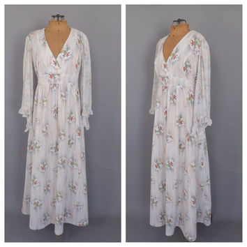 PLUS SIZE Vintage 1960s 70s Bird Print Maxi Dress Hippie Butterfly Sleeves Fairy Batwing Sleeve Gown Renaissance Queen 1970s Prom Dress