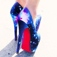 Liliana Maniac-6 Galaxy Platform Pumps | MakeMeChic.com