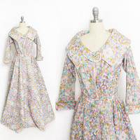Vintage 1950s Hostess Dress - SILK Floral Dressing Gown Quilted Sweeping Robe 50s - Small S