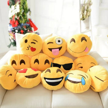 Cute Emoji Pillow Smiley Emoticon Cushion Mini Poop Stuffed Plush Toys Pillow Bolster Home Decorative Pillows Gift For kids A5
