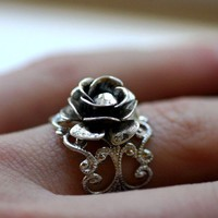 Silver Rose Ring with Emerald Green Crystal by robinhoodcouture