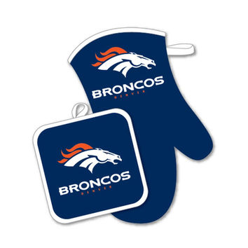 Denver Broncos NFL Oven Mitt and Pot Holder Set