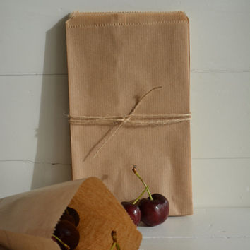 Small Natron Kraft paper favor bags set of 20 bags --- Perfect for your party favors, small presents, birthday party or wedding favor