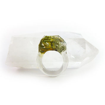Asymmetrical Faceted Terrarium Ring • Size 7.5 • Eco Resin Moss Ring • Unusual Art Nature • Faceted Terrarium • Geometric Terrarium Ring C7
