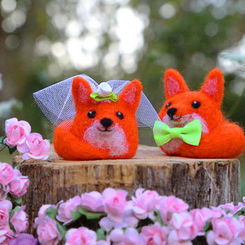 Fox Cake Topper, Bride and Groom, Wedding Cake Topper, Needle Felted Animal, Needle Felted Fox, Felt Cake Topper, Wedding Gift, Rustic