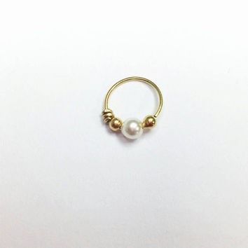 Pearl Cartilage Piercing Earring,  Handmade Pearl Piercing, Silver / Gold Filled Tragus Earring, Nose Ring, Helix , Rook, Daith Piercing