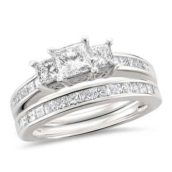 2 CT. T.W. Princess-Cut Diamond Three Stone Bridal Engagement Ring Set in Platinum (I/SI2)