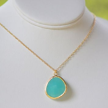 Turquoise Jewel Pendant Statement Necklace in Gold.