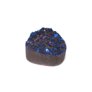 Druzy Cabochon Midnight Blue Iridescent Metallic Agate Crystal 14mm x 14mm 1 Pear Shaped Stone for Wire Wrapping & Jewelry Making (Lot C010)