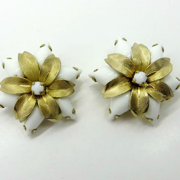 Weiss Poinsettia Milk Glass Gold Tone Vintage Clip-On Earrings