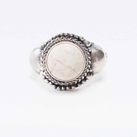 Stone Ring in Sterling Silver - Urban Outfitters
