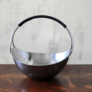 Mid Century Metal Basket, Danish Modern Style, Scandinavian Design, Decorative Basket, Metal Bowl, Wire Wrapped Handle, MG Denmark