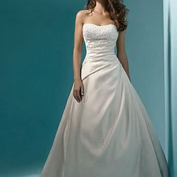 Beading A line Strapless With Train White / Ivory Wedding Dresses