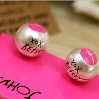 New Arrival Vintage Silver Tone Pearl Lip Print Stud Earrings free shipping