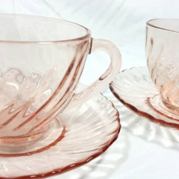 Vintage Arcoroc Rosaline Petal Pink Swirl Teacups & Saucers Set from France/Pink Glass Tea Cup (Set of 2)