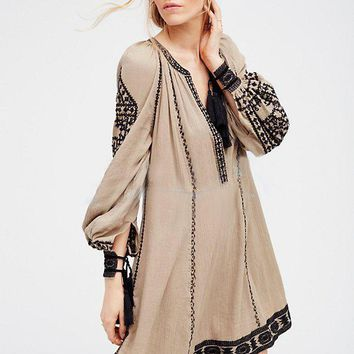 2018 new free shipping national retro style dress women boho dress embroidery tassel loose hippie chic dress people hot vestidos