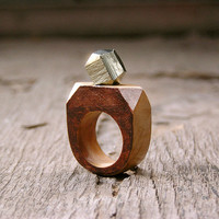 Gemstone geometric wooden Ring with Pyrite, coctail statement ring, faceted gemstone wooden jewelry, geometric minimalist jewelry, brown