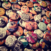 disney: one-of-a-kind pins (quantities of 3, 5 or 10)