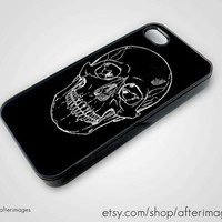 Skull iPhone 5 4 4S Case New Black White Graphic Goth Silicone