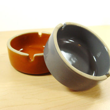 1960s Western Monmouth Cigarette Ashtrays - Set of 2 - The Great American Stoneware Factory