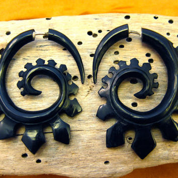 Fake Gauge Earrings Horn Earrings Black Solor  Spade Spirals Tribal Earrings - Gauges Plugs Bone Horn - FG015 H