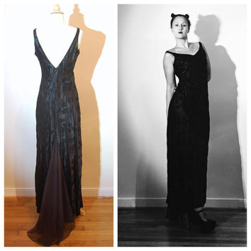 80s Black Gown with Train Velvet Rose Print Goth Witch Vampire Costume Minimal Sexy Gown size 8