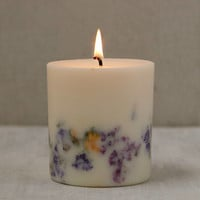 Munio Candela Mini Wild Flowers Candle | Urban Outfitters