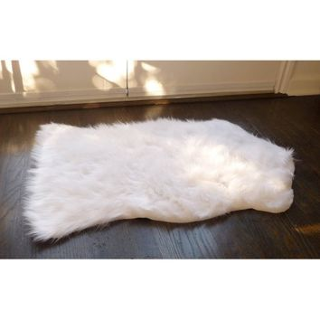 Home Dynamix Faux Sheepskin Fur Rug, White - Walmart.com