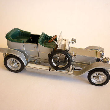 1907 Rolls-Royce The Silver Ghost - Franklin Mint Precision Model, 1/24 Scale Die Cast Made in Hong Kong