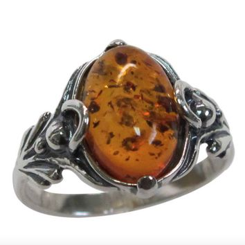 Beautiful Vintage Sterling Silver Oval Baltic Amber Ring